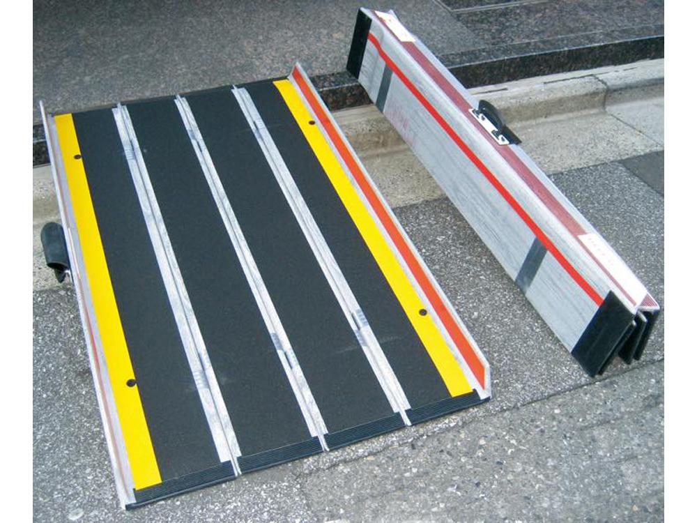 デクパック イービーエルタイプ (折りたたみ式軽量携帯用スロープ)