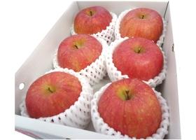 蜜がたっぷり入った、甘みと酸味のあるりんごです。