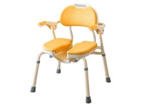 座面にU字の切れ込みがはいったタイプです。介助をされる方が、陰部の洗浄などからだの洗浄をしやすくなっており、介助者の負担を軽減します。