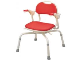 カラダの向きを変えずらい方に。また、介助の必要な方をシャワーチェアに移動させる際に、座面を自由に回転させることで移動させやすくなります。